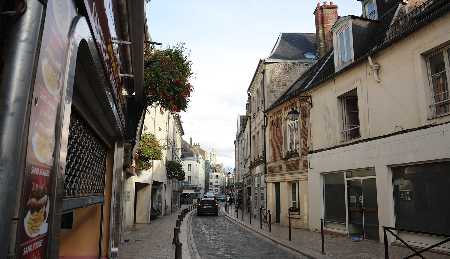 Narrow streets have empty shops, and this is not a 'ville fleurie'