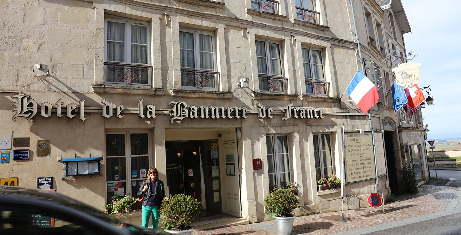 The only hotel in the old town (there is an Ibis down the hill), the 3 star La Banniere is in need of major investment. It compares badly with the George Inn, Rye