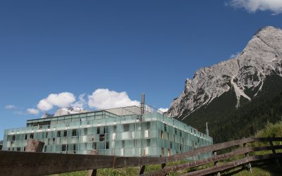 Hotel Design Revisited:Cube/HotelMy Tyrol